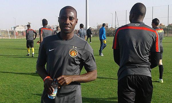 Bernard Bulbwa retrouve le Maroc avec ses coéquipiers et se voit octroyer une nouvelle chance par Benzarti. (Photo est.org.tn)