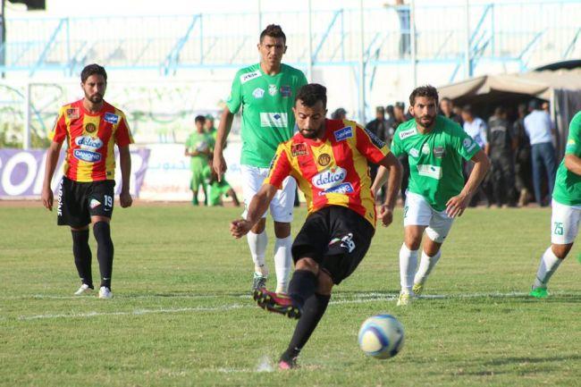 Taha Yassine Khenissi une nouvelle fois buteur face au Stade Gabésien. (Photo est.org.tn)