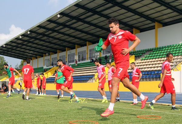 Les Aigles à l'entraînement au Stade Bangouville, au Gabon. (Photo FTF)