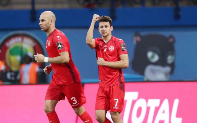 Youssef Msakni leads Tunisia to overcome Egypt. (CAF Online Photo)