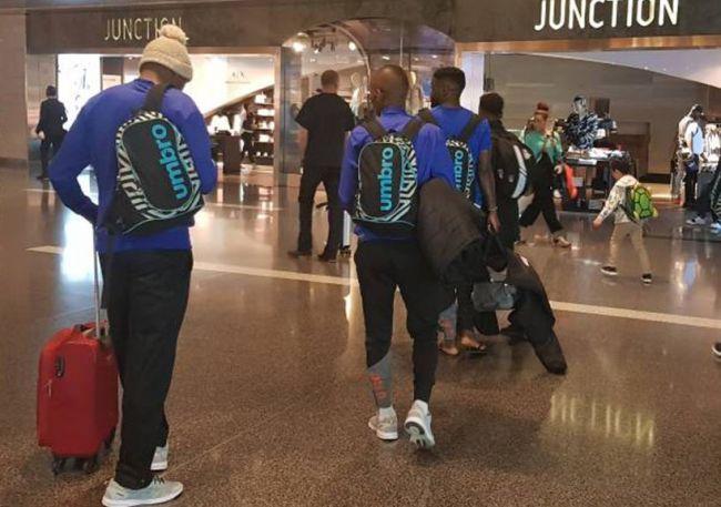 Les joueurs de Township Rollers FC à l'aéroport de Doha. (Photo @RollersFC)