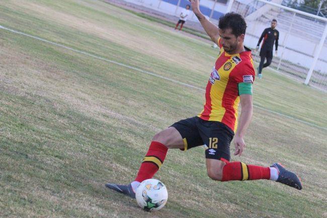Le capitaine Khalil Chammam serait forfait ce soir face à KCCA FC. (Photo est.org.tn)