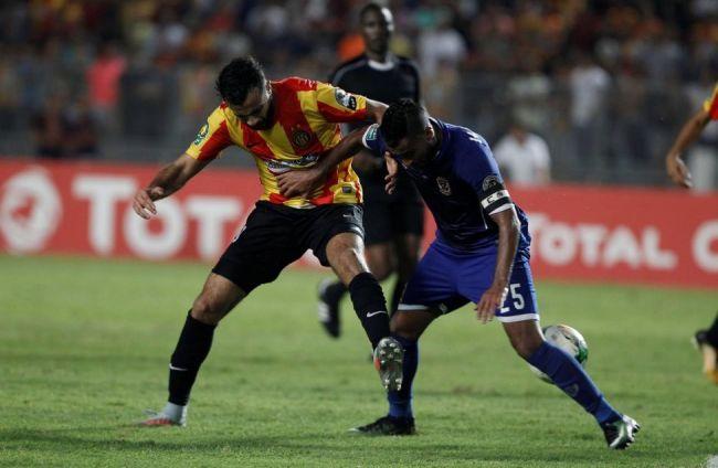 Khenissi n'a pas su trouver la faille dans la défense Ahlaouie. (Photo @DucorSports)