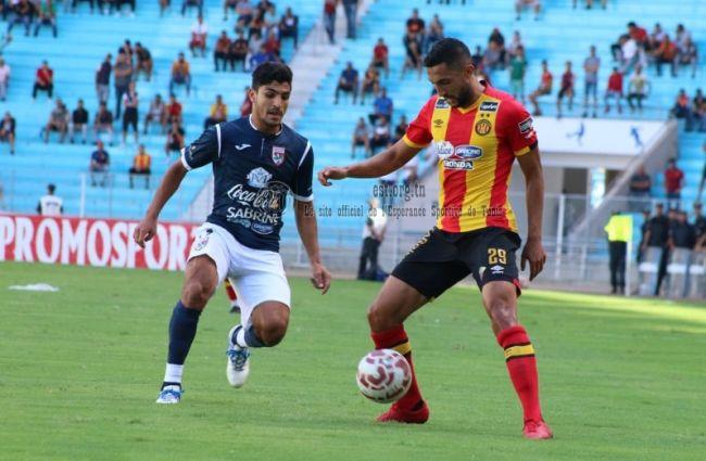 Première de Mohamed Wael Larbi avec l'Espérance de Tunis, le 26 septembre 2018 face au Stade Tunisien à Radès. (Photo est.org.tn)