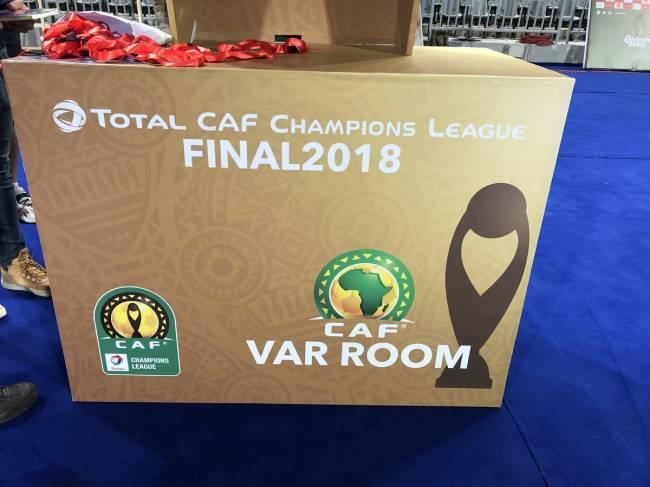 Préparatifs pour la finale aller de la Ligue des Champions de la CAF Total 2018 entre Al Ahly d'Égypte et l'Espérance de Tunis : VAR Room. Photo | CAF Online