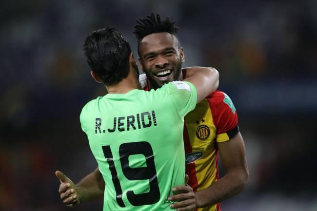 La joie de Jeridi et Coulibaly à l'issue de la victoire sur CD Guadalajara au Mondial des Clubs. (Photo Fifa.com)