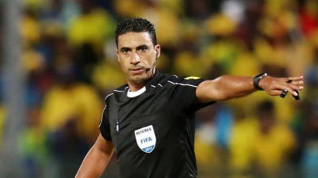 L'arbitre marocain Noureddine Jaâfari pour le match face au CS Constantine. (Photo le360.ma)
