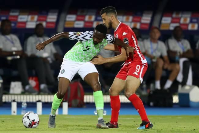 Duel entre Anice Badri et Ahmed Musa lors du match pour la 3è place de la CAN Egypte 2019. (Photo CAFOnline.com)