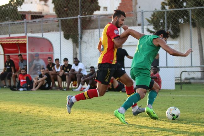 Haythem Jouini lors d'un match amical face au CS Hammam-Lif disputé au complexe Hassen Belkhodja. (Photo est.org.tn)