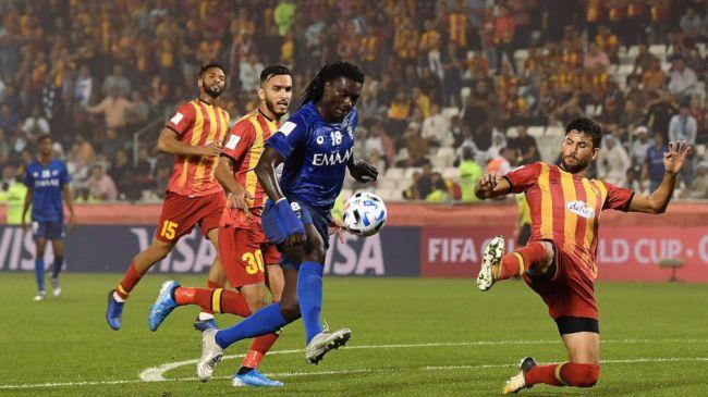 L'attaquant français Bafétimbi Gomis envoie Al Hilal en demi-finale de la Coupe du Monde des clubs au détriment de l'Espérance de Tunis. (Getty Images)