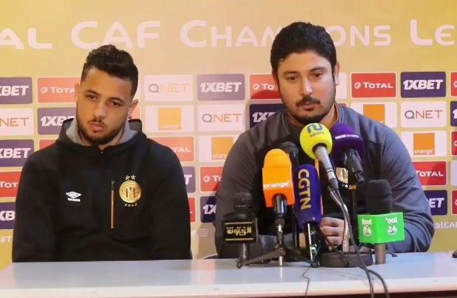 Le coach Majdi Traoui en compagnie du défenseur Iheb Mbarki en conférence de presse d'avant-match. (Photo est.org.tn)
