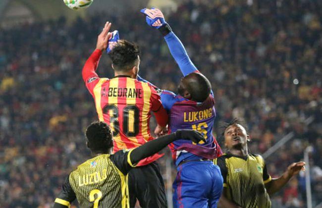 Abdelkader Bedrane et ses coéquipiers ont été impuissants face à la défense de l'AS Vita Club, le 27 décembre 2019 au stade de Radès. (Photo est.org.tn)