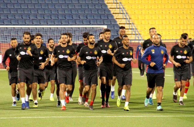 Les joueurs sang et or à l'entraînement au stade d'Al Gharafa à Qatar. (Photo QFA)