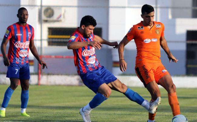 Le défenseur latéral Mohamed Amine Ben Hamida face à l'US Tataouine en match amical de préparation disputé au complexe Hassen Belkhodja. (Photo est.org.tn)