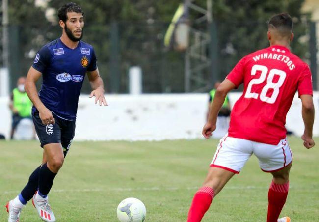 Mohamed Amine Meskini face à Redouane Zerdoum lors du match de championnat contre l'Etoile du Sahel disputé à Hammam-Sousse le 15 août 2020. (Photo est.org.tn)