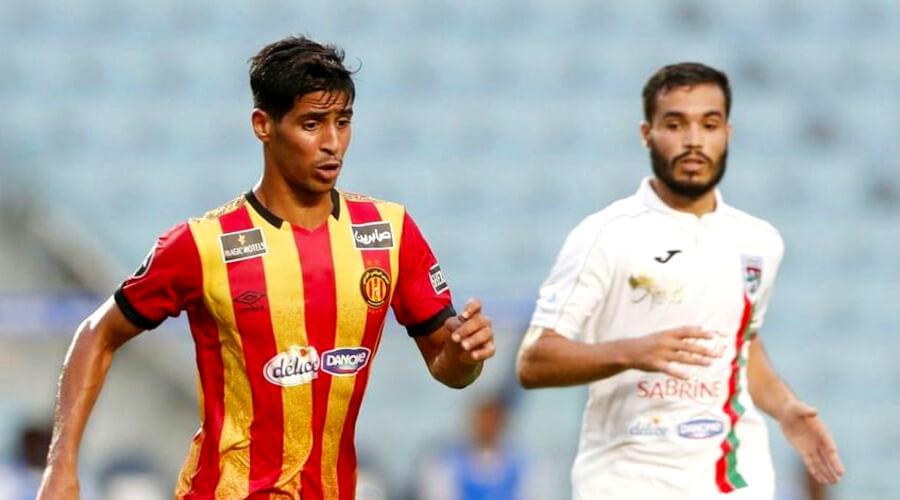 Abderraouf Benguit disputant un match face au Stade Tunisien. (Photo est.org.tn)