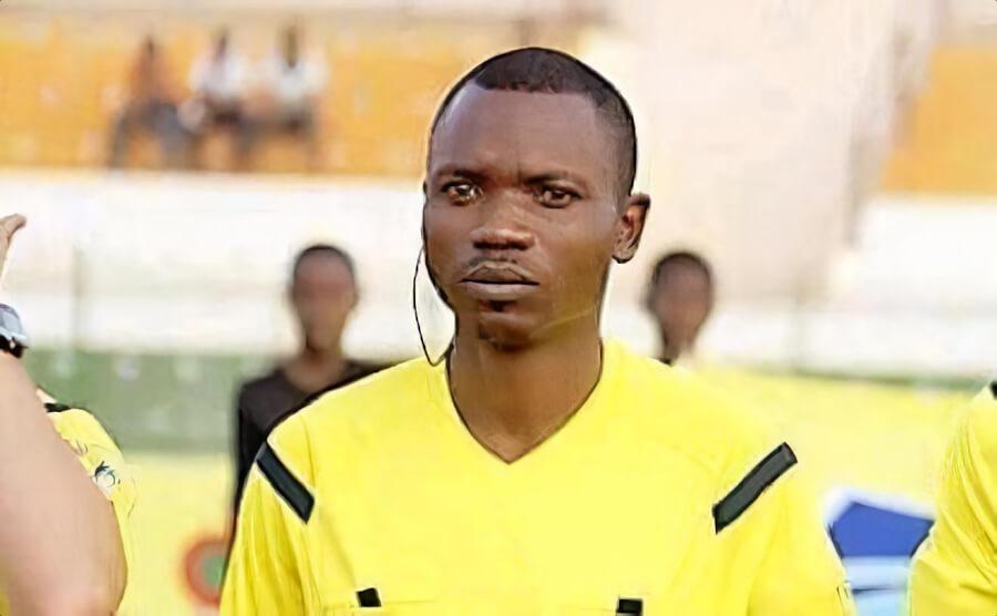 L'arbitre congolais Jean-Jacques Ndala Ngambo désigné par la CAF pour officier le match d'Alger face au CR Belouizdad. (Photo africafootunited.com)