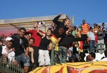 Les supporters sang et or exultent de joie après un but de Chammam, le 14 mai 2008. (Photo CHALA)