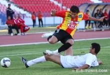 Khaled Ayari lors du match face à l'ES Hammam-Sousse, le 15 mai 2010 à El Menzah. (Photo CHALA)