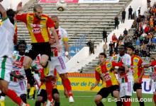 Walid Hichri inscrivant un but de la tête contre le Stade Tunisien, le 6 novembre 2010 à El Menzah. (Photo CHALA)