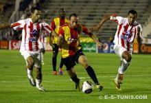 Wajdi Bouazzi lors du match face au Wydad de Casablanca en Ligue des champions, le 27 août 2011 à El Menzah. (Photo CHALA)
