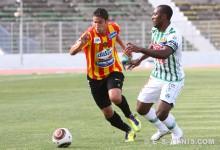 Majdi Traoui contre la JS Kairouanaise en match retard de la 22è journée de Ligue 1, le 20 juin 2012 à El Menzah. (Photo CHALA)