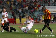 Yannick N'Djeng auteur du but de la victoire dans les arrêts de jeu face à l'ASO Chlef en Ligue des champions, le 20 juillet 2012 à Radès. (Photo CHALA)