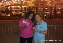 Lucia (en rose) et Kimberley (en bleu) fans de l'Espérance ... à vie !